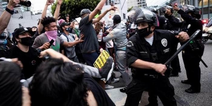 Critican orden de Trump de reprimir manifestaciones