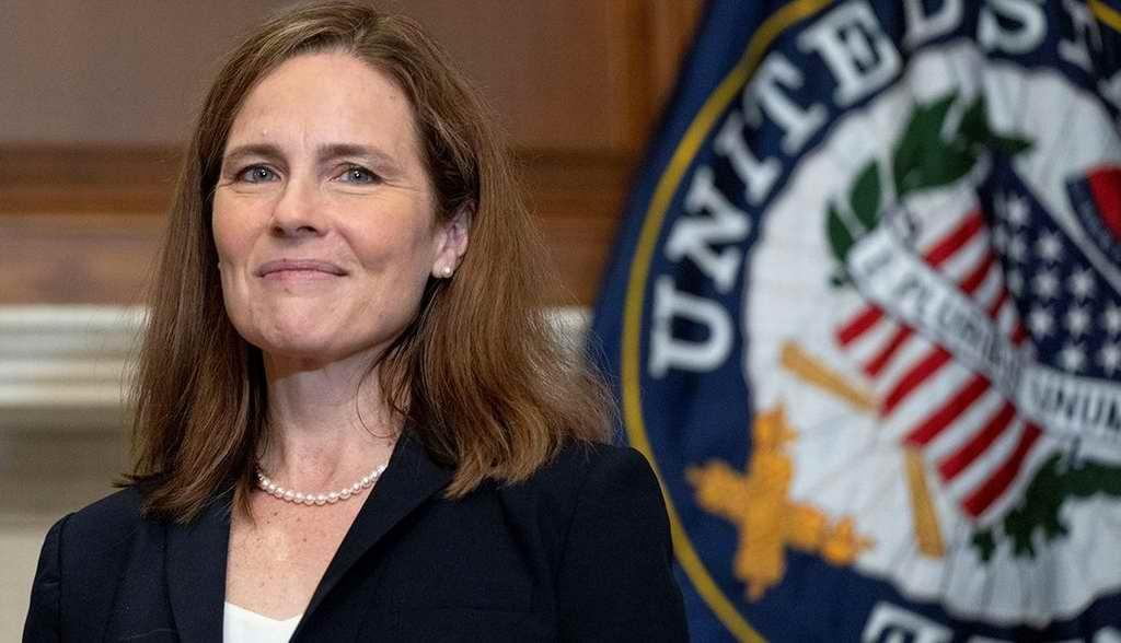 Senado de EEUU confirma nominación de Amy Barrett para ser juez de la Corte Suprema