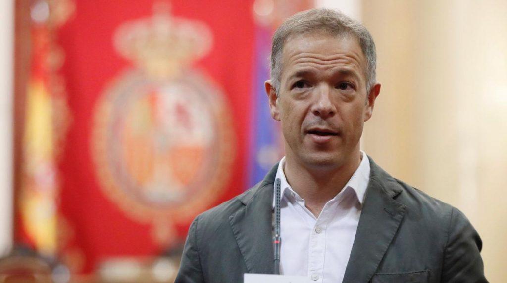 Acusan a partido derechista español de ser antisistema