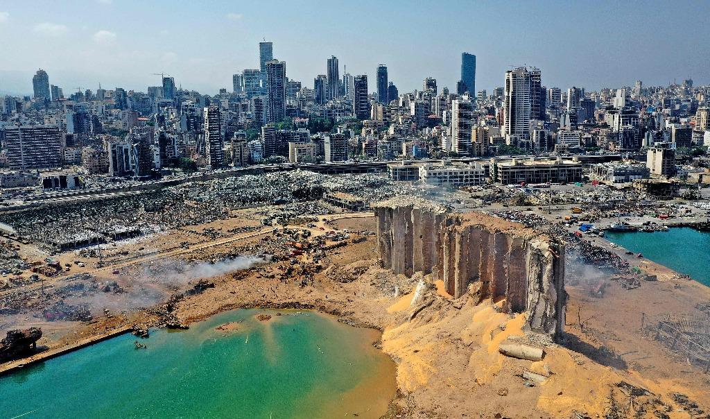 El gobierno del Líbano ordenó la prisión domiciliaria de las autoridades del puerto Beirut