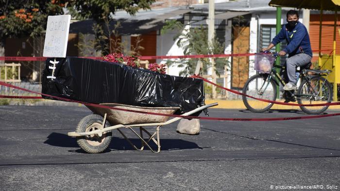 Bolivia: muchos cementerios no quieren recibir muertos y los que sí, están saturados
