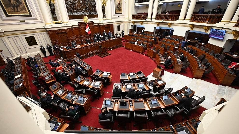 Piden destitución del presidente peruano Martin Vizcarra