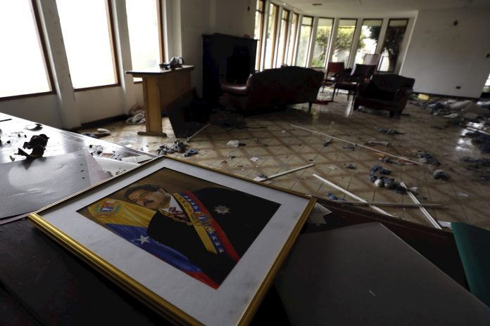 Venezuela denunciará en Naciones Unidas el saqueo a su sede consular en Bogotá