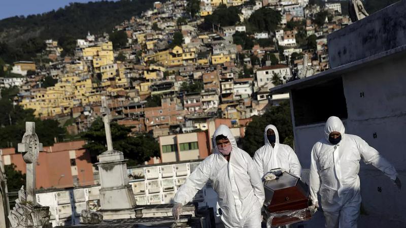Se ensaña la COVID-19 con un Brasil a la deriva en el combate contra la pandemia