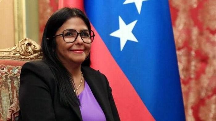 Afirma Delcy Rodríguez que diálogo consolida la paz en Venezuela