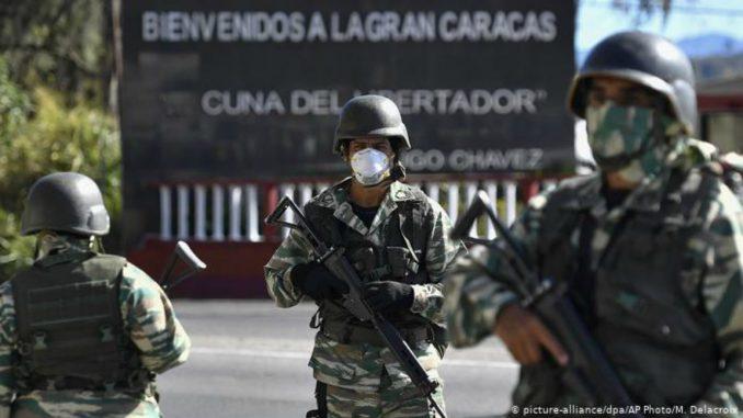 Desmantelan campamentos de la delincuencia organizada colombiana en Venezuela