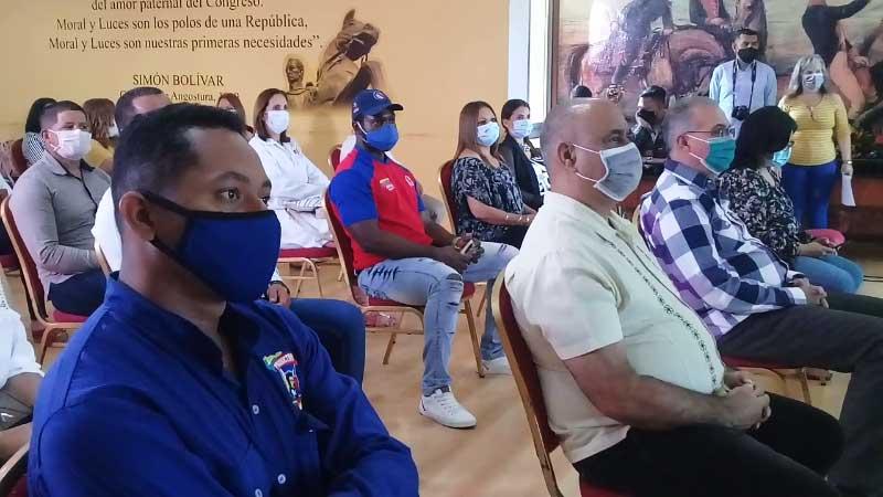 Agasajan a educadores de Cuba en Venezuela