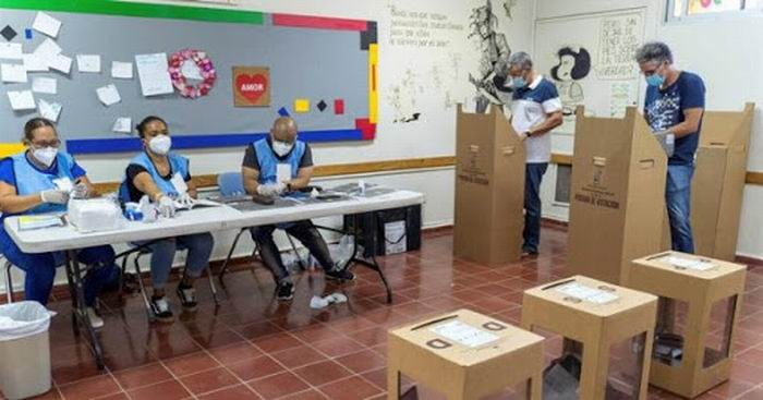 Cerca de 7,5 millones de dominicanos, casi medio millón en el extranjero, estuvieron convocados a las urnas.