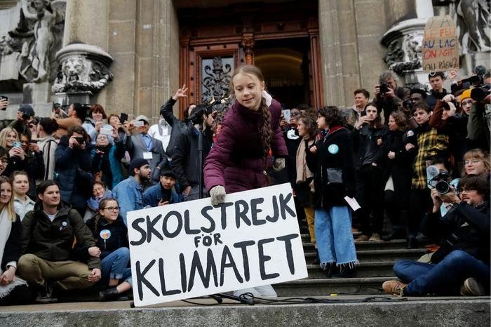 La activista social Greta Thunberg protesta otra vez