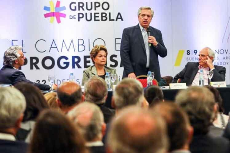 Rechaza el Grupo de Puebla intento de eliminar partido de Rafael Correa