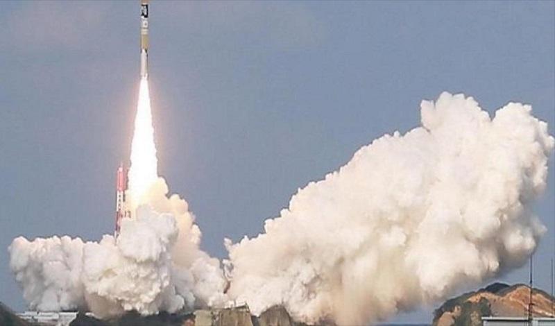 Coloca Irán en órbita con éxito su primer satélite militar