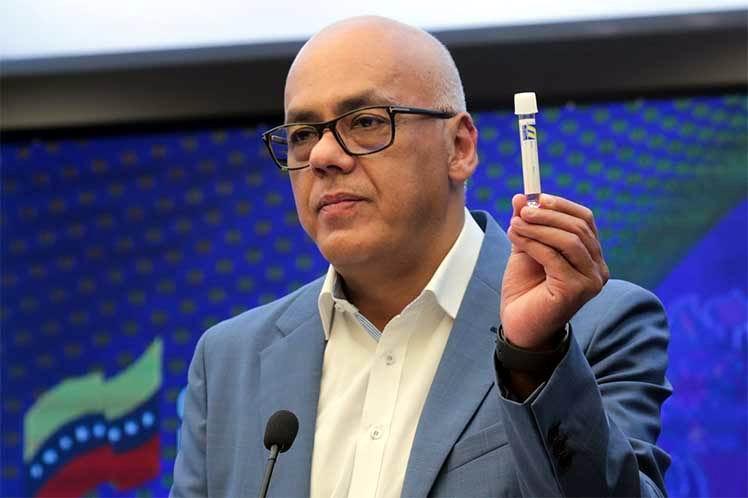 Vicepresidente venezolano da positivo a la Covid-19