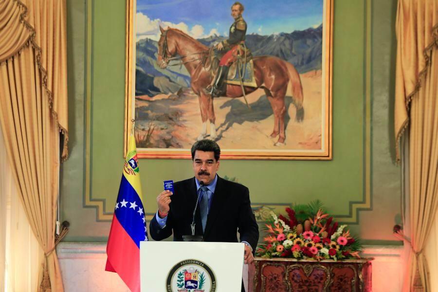 Nicolás Maduro anuncia que habrá más de 300 observadores en elecciones del 6-D