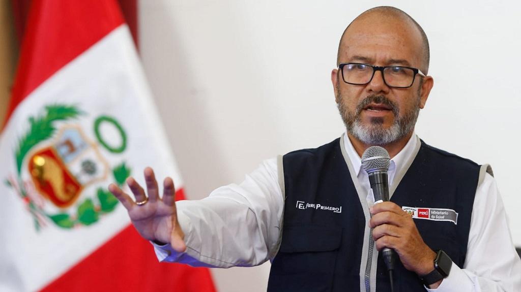 Aprecia el Ministro de Salud la labor de loe médicos cubanos en Ayacucho, Perú