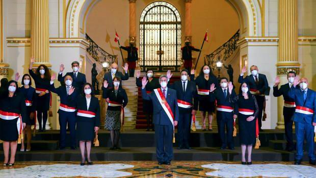 Juramentan en Perú al nuevo gabinete de gobierno