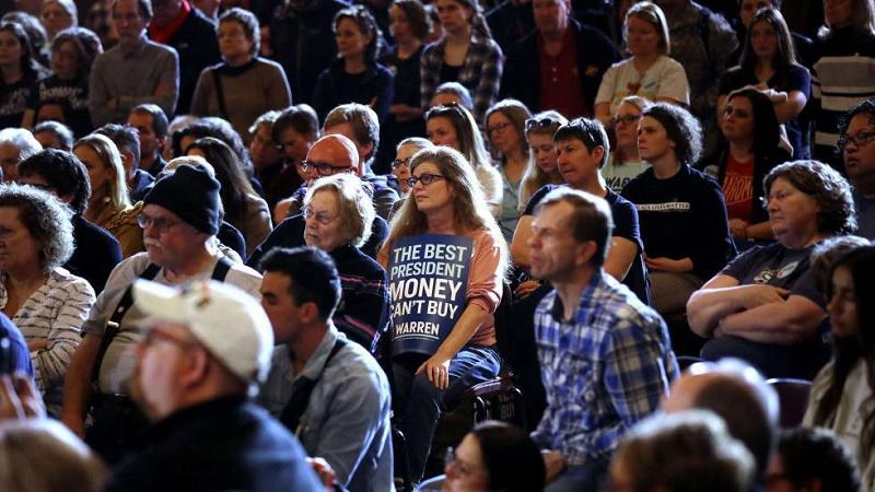 Comienzan de manera caótica las primarias demócratas para definir al rival de Donald Trump en los comicios de noviembre