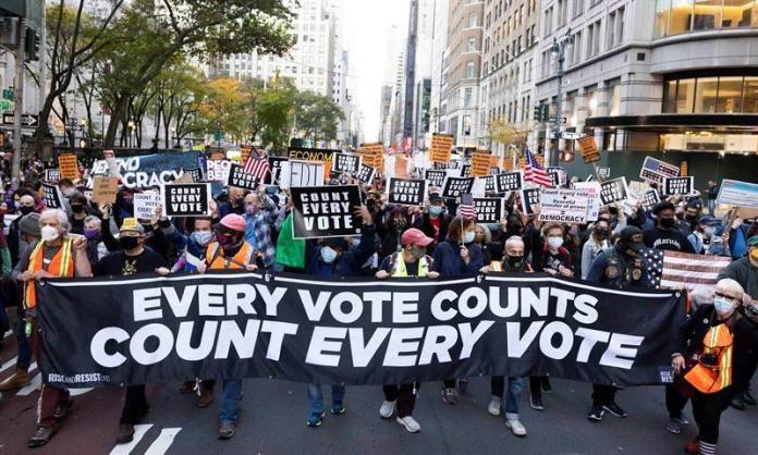 La falta de resultados electorales ha motivado protestas en varias ciudades estadounidenses.