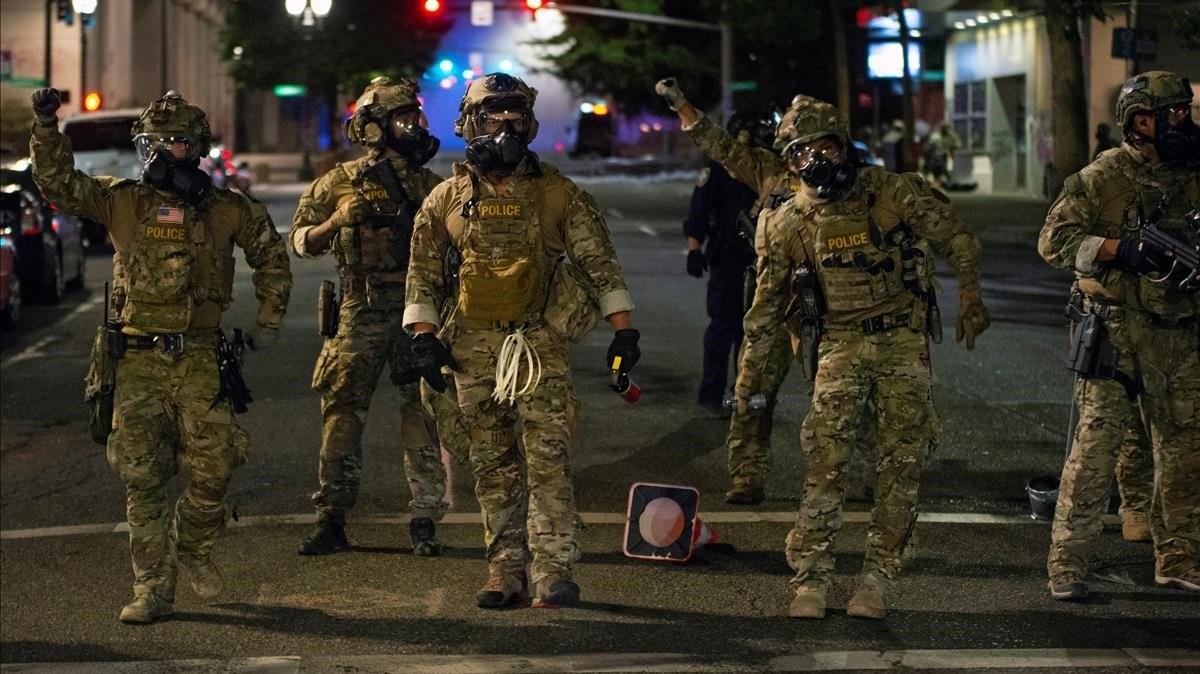 Se mantienen las protestas en Portland cada noche