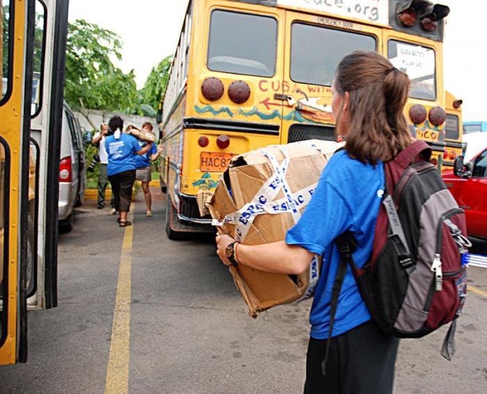 La solidaridad viaja en caravanas