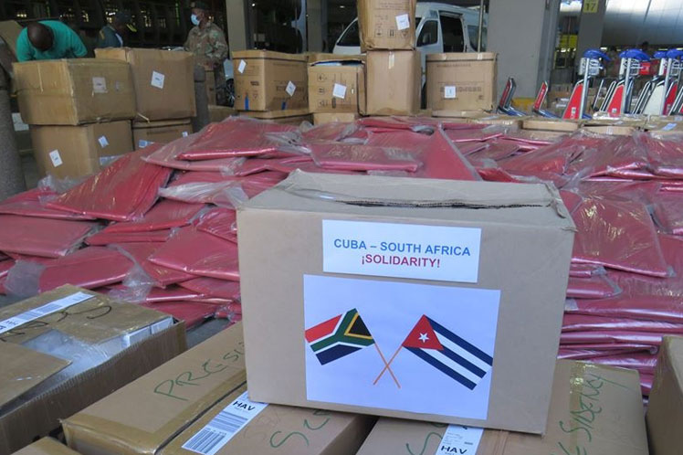 South Africa delivers a donation to Cuba to confront COVID-19