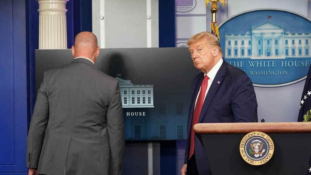 Trump evacuado por tiroteo cerca de la Casa Blanca