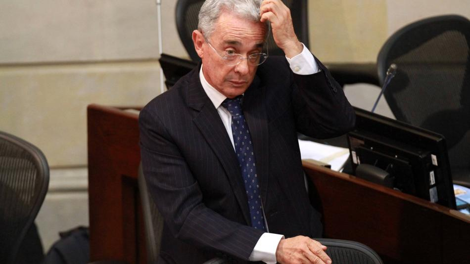Prisión domiciliaria para el expresidente colombiano Álvaro Uribe Vélez