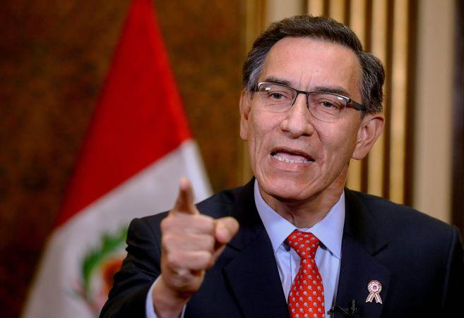 Congreso de Perú aprobó la moción de censura contra el presidente Martín Vizcarra
