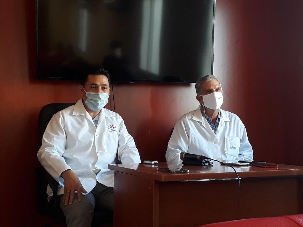 Arturo Chan Monteagudo, especialista de I y II grado en Inmunología y Rolando Ochoa Azze, investigador y profesor Titular y consultante del Instituto Finlay de Vacunas