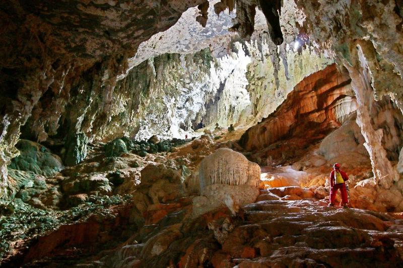 Cueva Martín Infierno Salón La Catedral