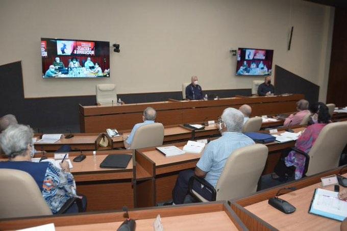 Díaz-Canel resalta solidaridad del pueblo de Cuba en el combate a la COVID-19