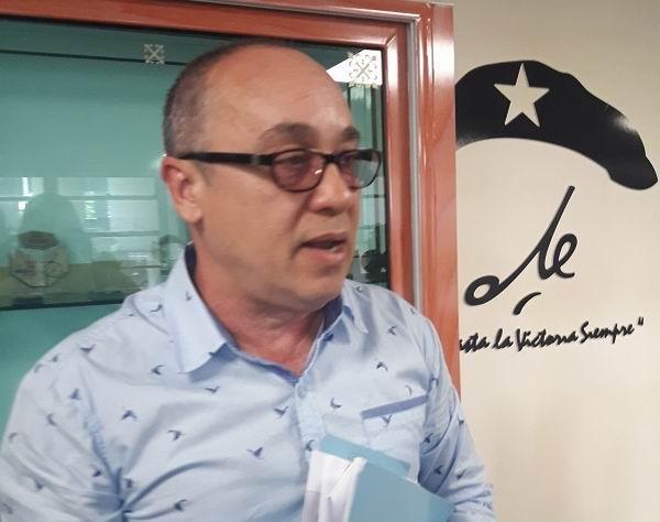 Dr. Roberto Álvarez Fumero, Jefe del Programa de Atención a la Pareja Infértil del Ministerio de Salud Pública