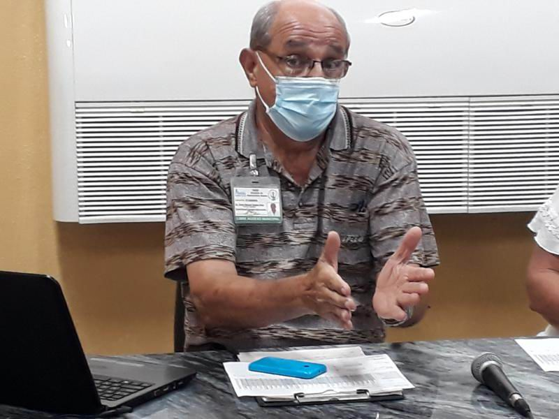 Dr. Víctor Doeste Hernández, Coordinador de la Comisión Municipal de Vacunación