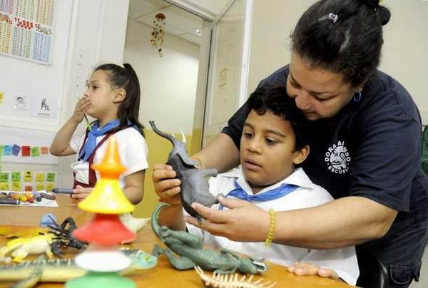 Día Mundial de Concienciación sobre el Autismo. Escuela Dora Alonso. Foto: Alberto Borrego Ávila