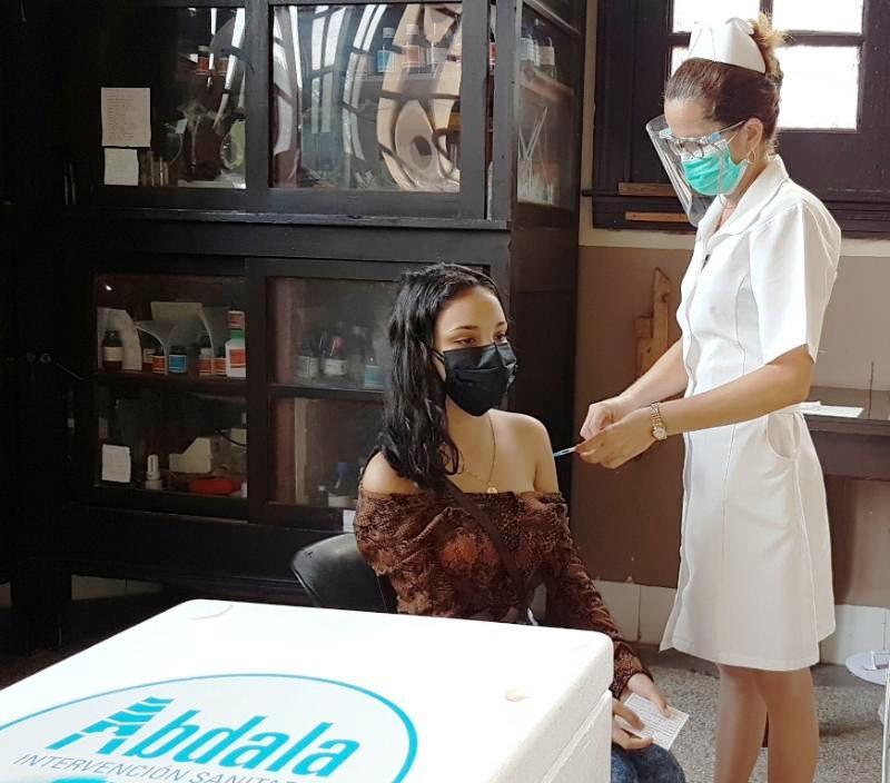 Avanza campaña de vacunación en edades pediátricas y escolares en Camagüey