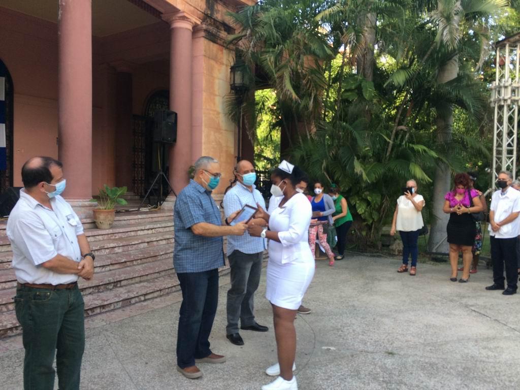 En el acto estuvieron presentes el Primer Secretario del Partido en La Habana, Luis Antonio Torres Iribar, el Gobernador de la capital, Reinaldo García Zapata