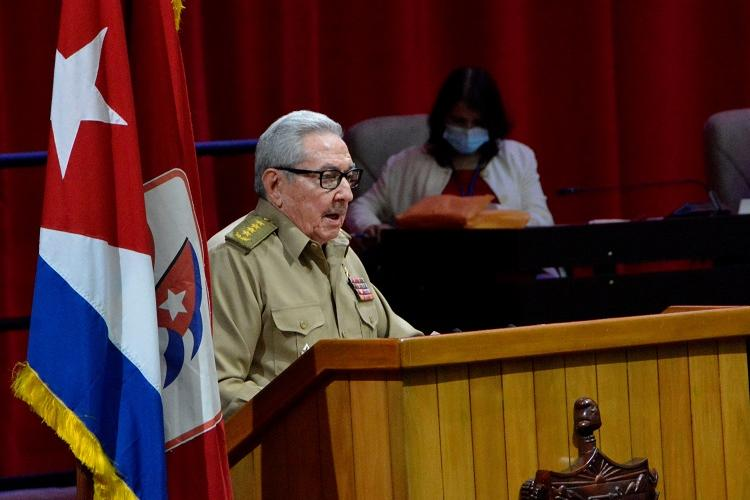 """Raúl Castro: """"Continuaré militando como un combatiente revolucionario más"""" (+Audio)"""
