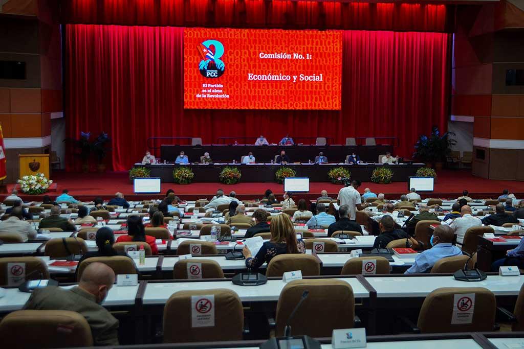 Destacan delegados al 8vo. Congreso trascendencia del Informe Central a la magna cita (+Audio)