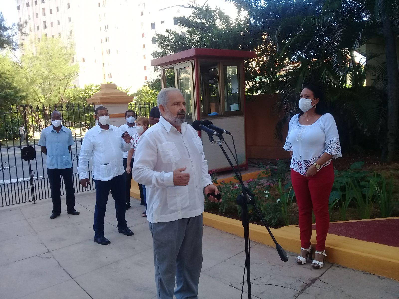 Develan en la sede Nacional de los CDR réplica de la escultura Martí Antiimperialista (+Audio)