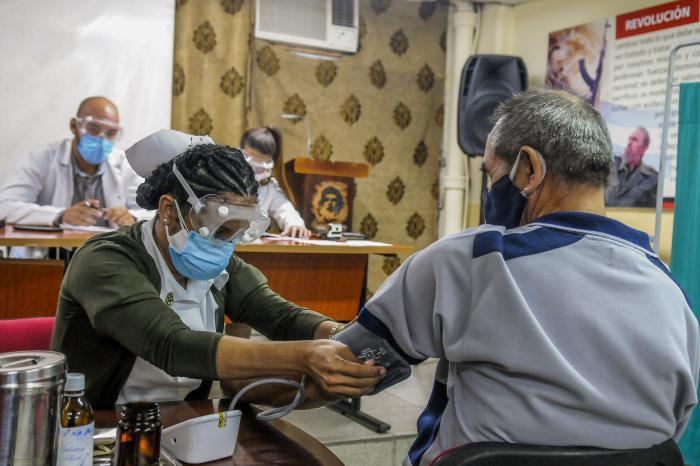 Chapeando Bajito: Casos y cosas de la Covid-19 en Cuba (+Podcast)