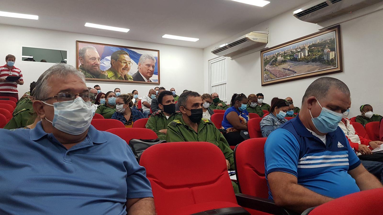 Analiza Consejo de Defensa de La Habana dificultades en el enfrentamiento a la Covid-19