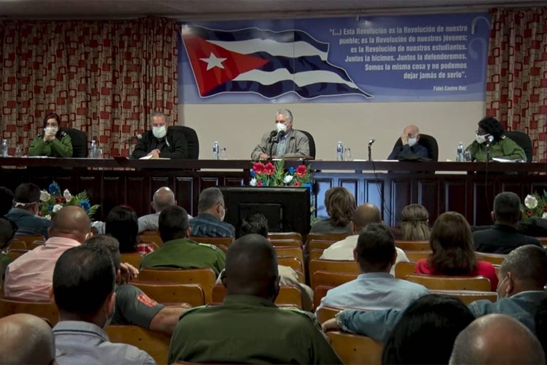 Díaz-Canel exhorta a cerrar filas a la ineficiencia en el enfrentamiento a la Covid-19