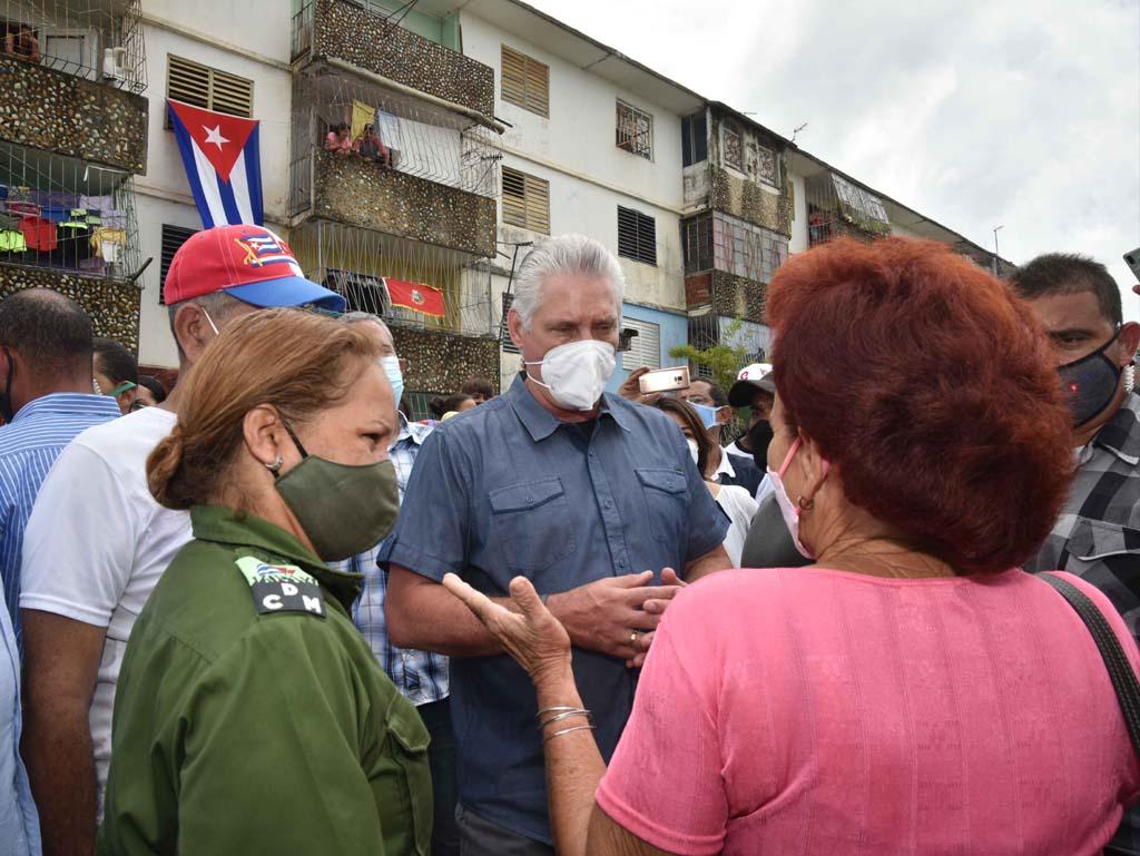 """Díaz-Canel: """"Ahora el huracán tenemos que ponerlo nosotros con el esfuerzo y la voluntad"""" (+Audio)"""