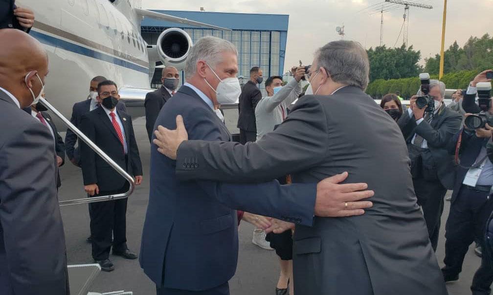 Presidente cubano llega a México