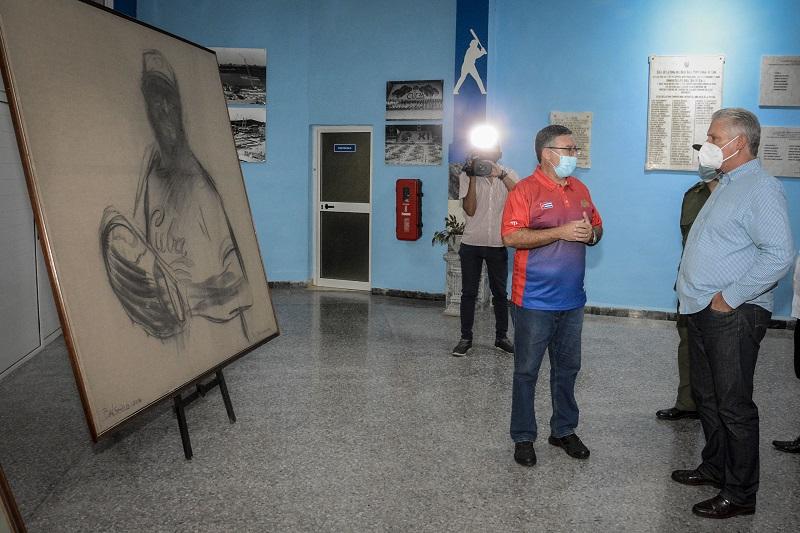 Díaz-Canel en encuentro con equipo de béisbol de Cuba: ¨Les deseamos el éxito y la victoria¨