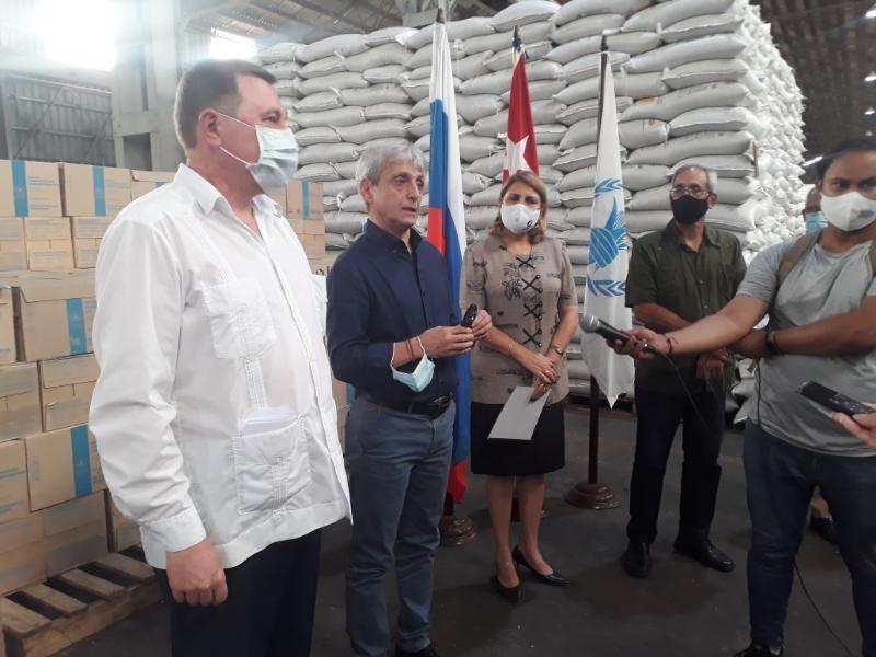 Entrega Federación Rusa donativo de alimentos para personas vulnerables en Cuba
