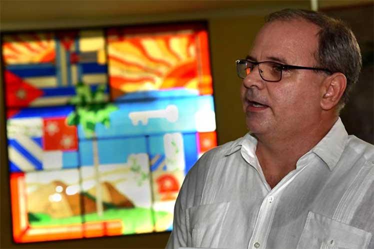 Rechaza Cuba intentos de vincularla con situación en Colombia