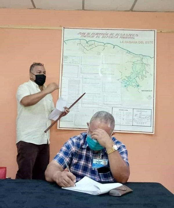 Evalúan planes de reducción de riesgo en Habana del Este
