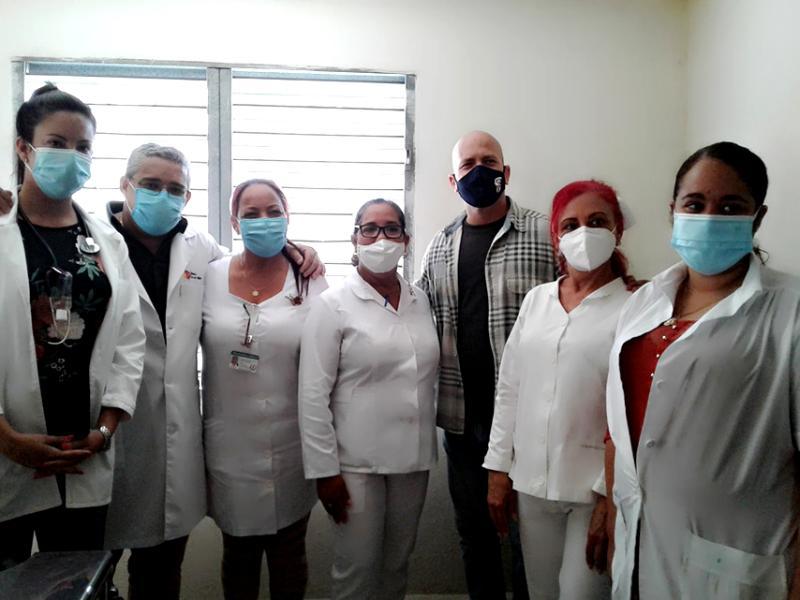 Reconoce Gerardo Hernández al INDER y Salud en Cienfuegos