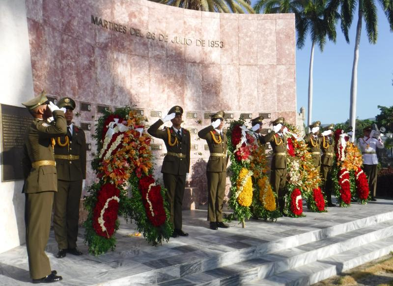Homenaje de Raúl y Díaz-Canel a los mártires del Moncada