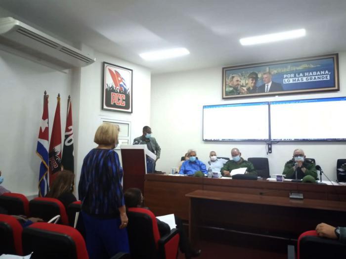 Valora Consejo de Defensa de La Habana incrementar medidas restrictivas ante alza de la COVID-19